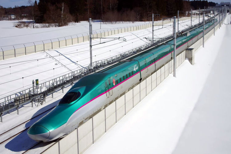 hayabusa-japan-train