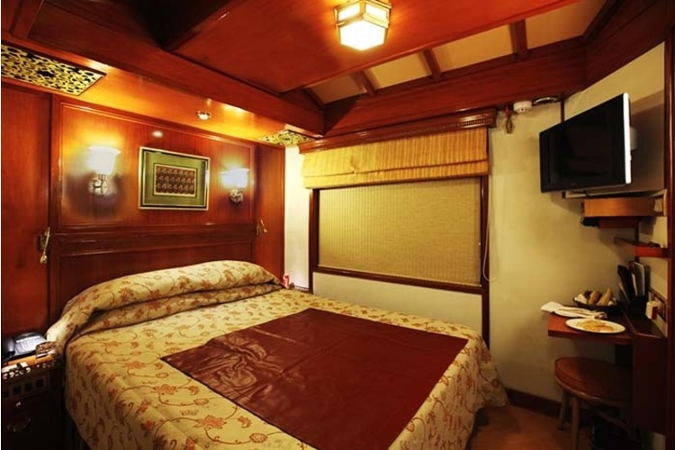 Maharaja Express Suite Room